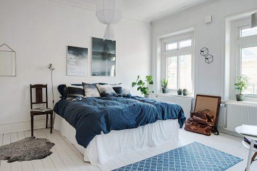 Zo laat je de meubels uitspringen in een witte slaapkamer ...