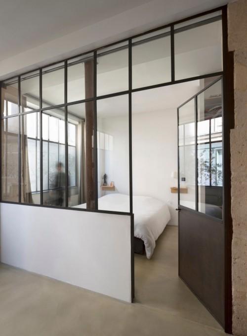 ... industriële slaapkamer in Franse loft  Slaapkamer ideeën